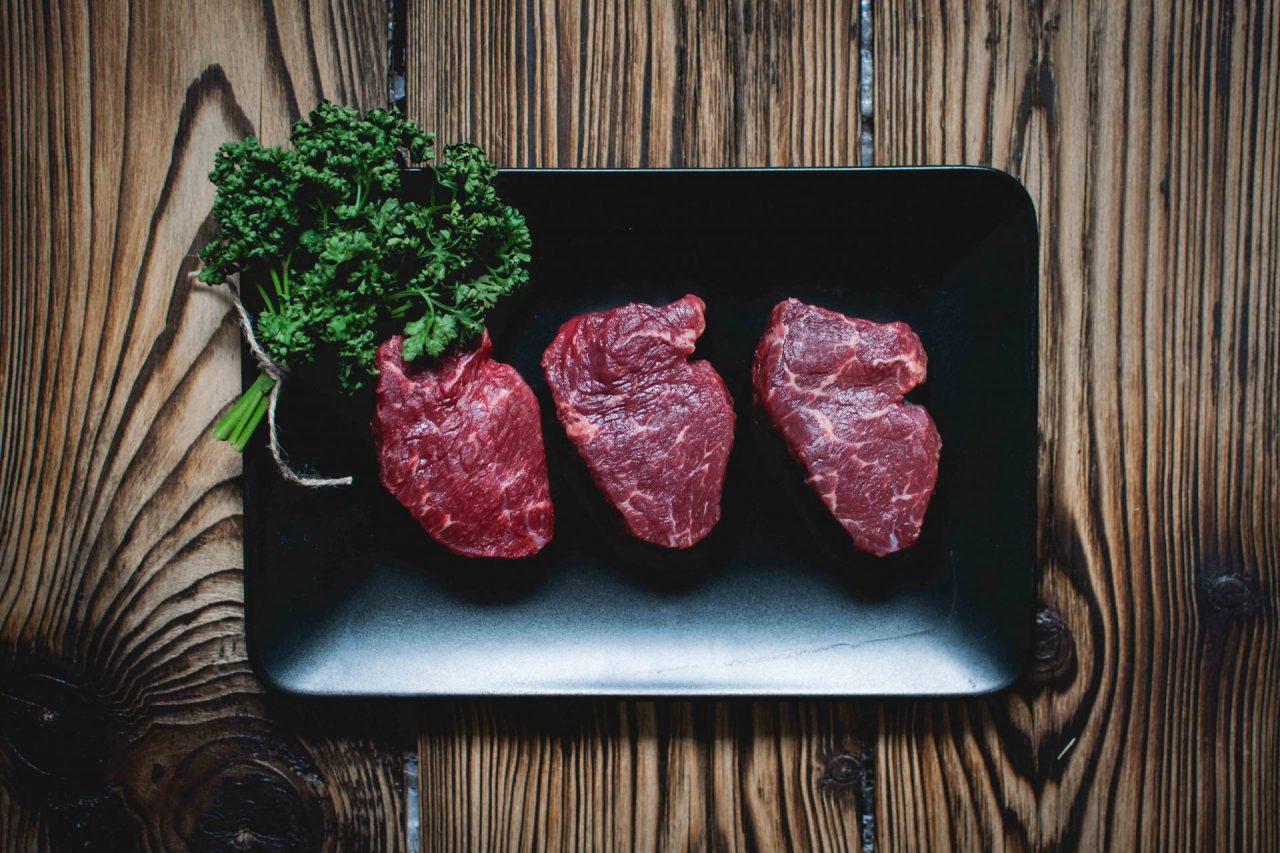 Cambios en el consumo de carne roja y mortalidad global en mujeres y hombres de Estados Unidos: resultados de dos grandes estudios de cohorte prospectivos