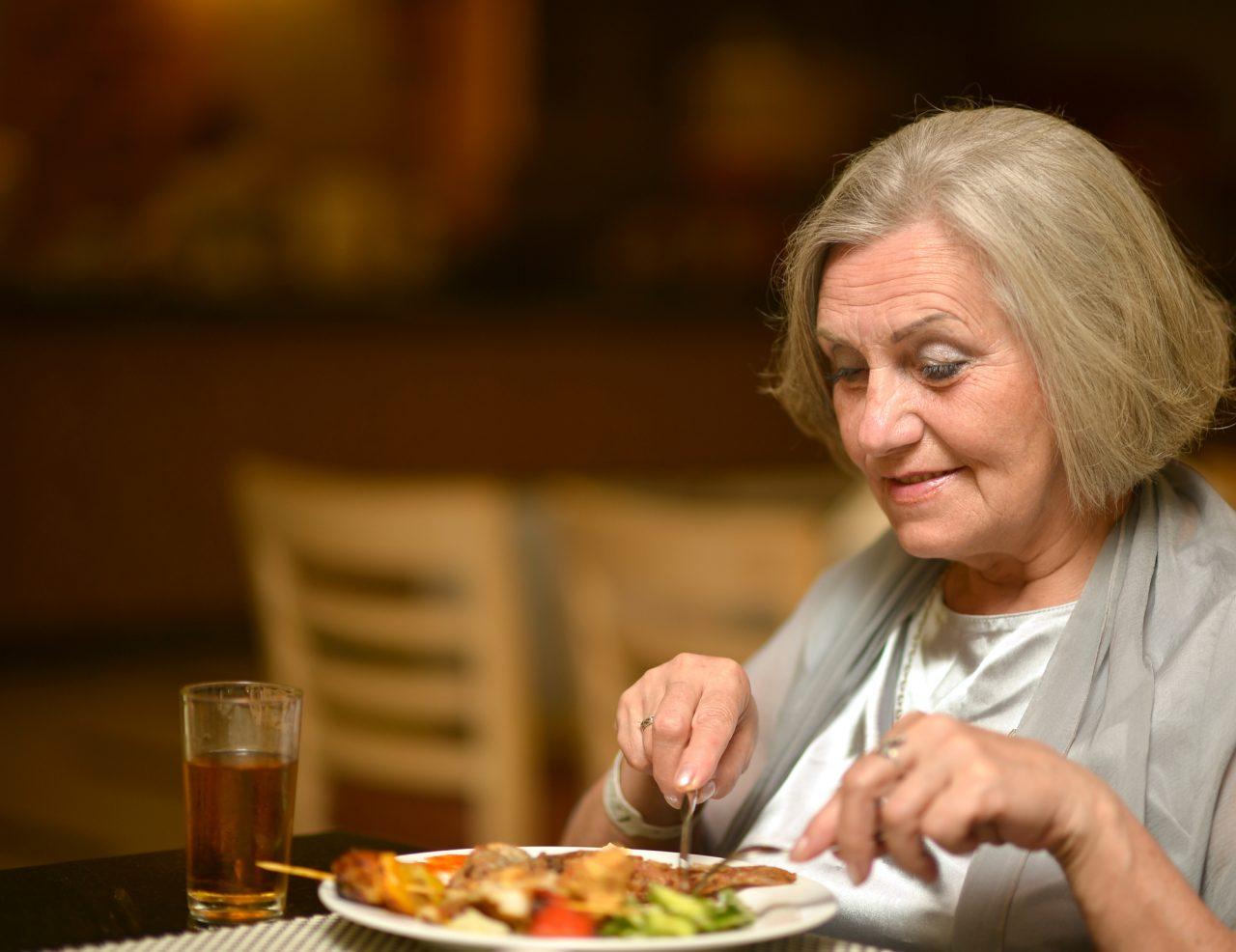 La optimización de la ingesta de proteínas en personas mayores durante procesos catabólicos