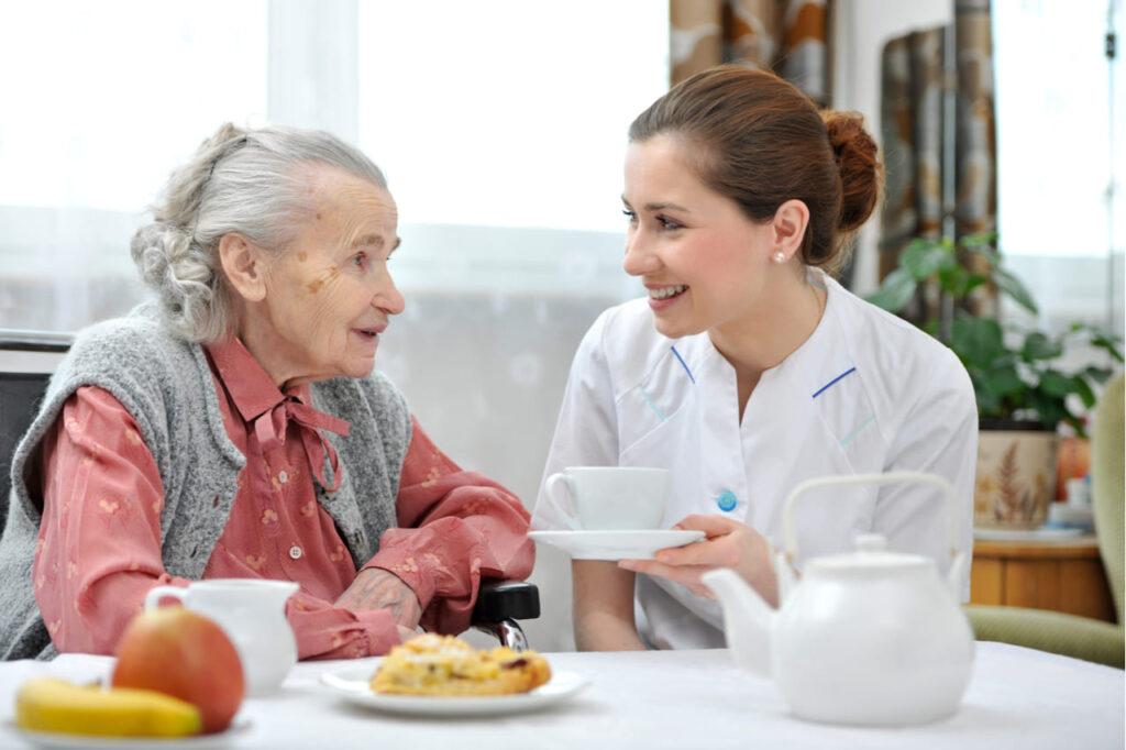 Noticia FINUT cuestionarios alimentacion residencias mayores