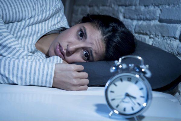 Noticia FINUT dormir poco y obesidad